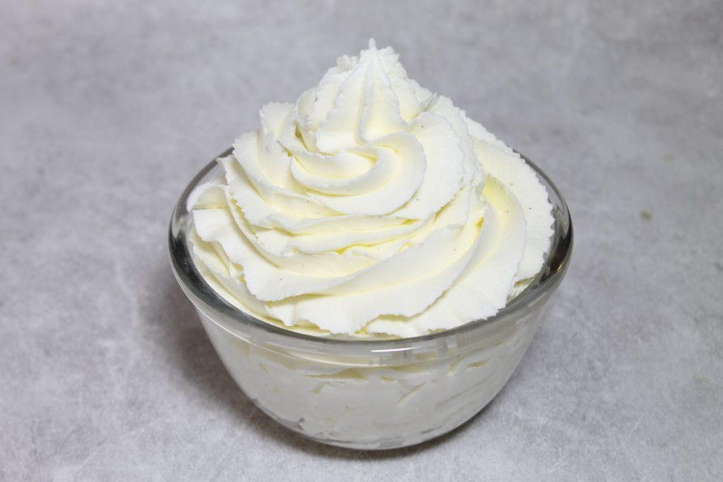 """Процесс приготовления крема """"шантильи"""""""