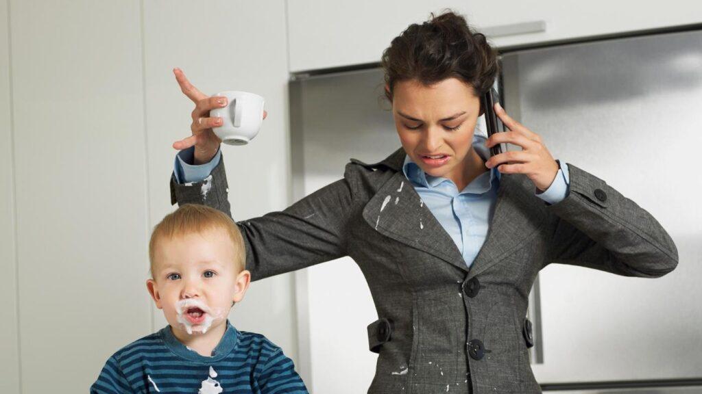 Все больше женщин выбирают карьеру, а не материнство