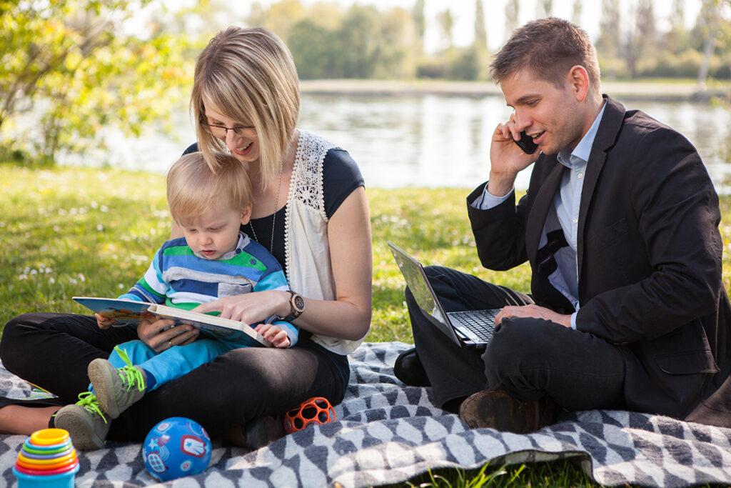 Карьера или семья — трудный выбор женщины