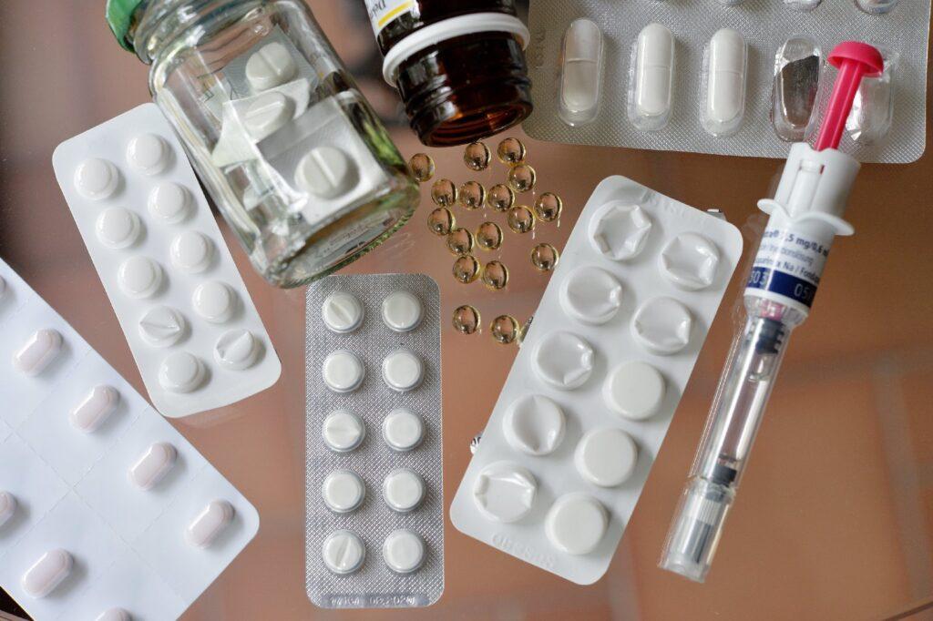 Наркотические и лекарственные препараты