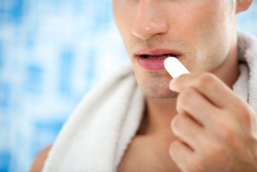 Уход за губами для мужчин